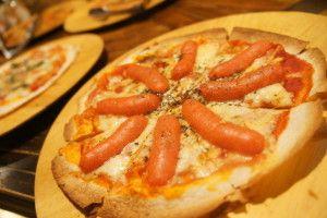 明太子ソーセージのピザ